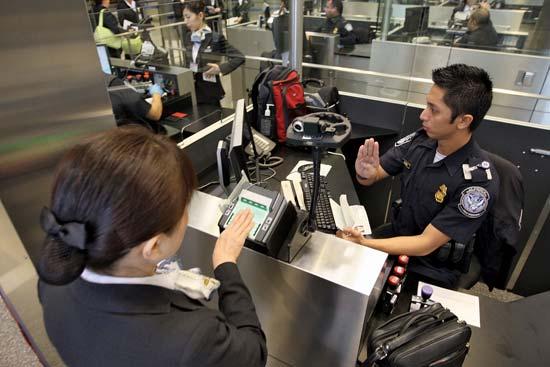 Passage à la frontière après avoir reçu son visa de travail usa
